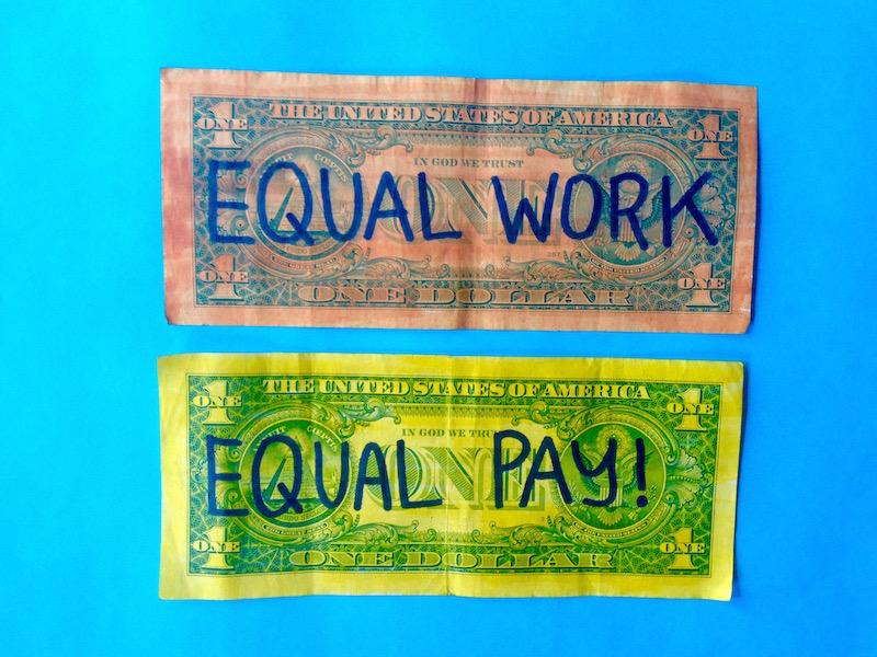 Equal Pay for Equal Work von Sarah Mirk. Dieses Bild steht unter einer Creative Commons Lizenz.
